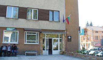 5604181e9d9 На 22 юли 2014 г. президентът на България Росен Плевнелиев подписа Указ №  177, с който утвърди границите на Община Сърница. Така 17 години след  проведения ...